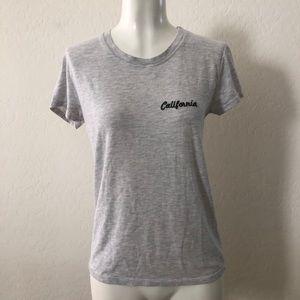 Brandy Melville California grey t-shirt L218